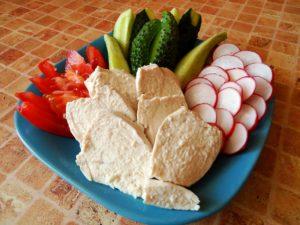 Куриное филе с овощной нарезкой